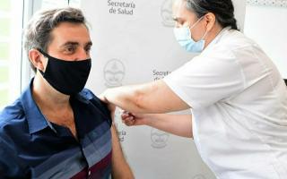 Covid-19 en Luján: El intendente Boto se vacunó y hay casi mil casos activos