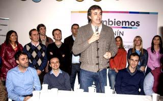 El candidato de Macri y Vidal para la provincia, durante el acto. Foto: La Verdad.