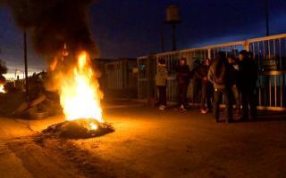 Problemas en la refinería Elicabe por despidos. Foto: Canal Siete