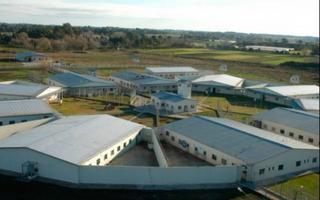 Resultado de imagen para cárcel  Lomas de Zamora y Campana