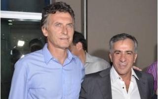 Mauricio Macri junto a Jesús Cariglino.