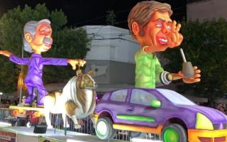 """La insólita carroza con Alberto, """"Dylan"""" y el Kici-móvil en el carnaval de Lincoln"""