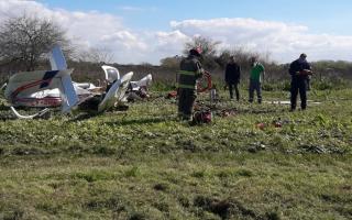 Cayó aeronave cerca del aeródromo de Ezpeleta: Iban dos tripulantes (Imagen: Bomberos)