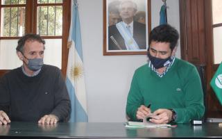 Intendente Villagrán firmó convenio con Katopodis para obras en el distrito