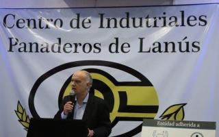 Grindetti ratificó su apoyo a los industriales en Lanús.