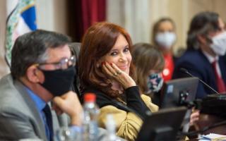 """Cristina Kirchner aseguró que hay """"funcionarios que no funcionan"""" y que el presidente """"es el que los saca, pone o mantiene"""""""
