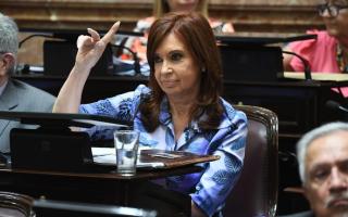 Cristina Kirchner pide suspender aumentos en tarifas de luz, agua y gas