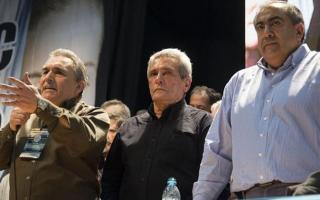 El triunvirato de la CGT convocó a un paro nacional este viernes
