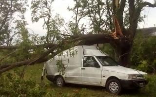 Estado de emergencia en Colón tras el paso de un tornado