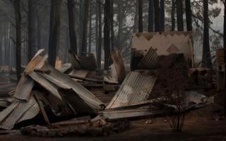Construcciones completamente destruidas por las llamas. Foto: La Voz