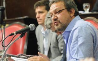 """Senador Costa replicó dichos de Luis D'Elia: """"Debería dejar de jugar sin éxito a la campaña del miedo"""""""