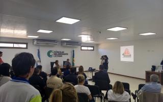 Presentación del nuevo sistema de aviso de un hecho delictivo de Lezama. Foto: Prensa