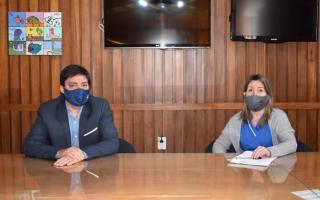 El Intendente Alejandro Acerbo y la Secretaria de Salud Cristina Sierra. Foto: Radio Más