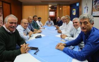 Los intendentes que asistieron a la presentación del libro de Cristina