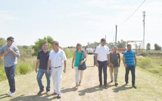Legisladores provinciales recorrieron La Emilia y brindaron ayuda a instituciones locales.