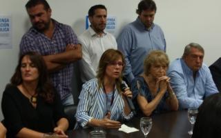 """Diputados del PJ apoyaron a """"las pymes que resisten""""."""