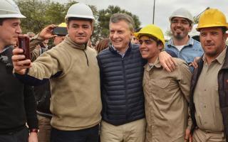 El Presidente se mostró confiado inauguró una planta potabilizadora en Santiago del Estero. Foto: Twitter