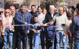 De Jesús, al inaugurar el camino pavimentado. Foto: Prensa La Costa.