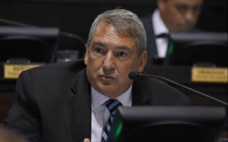 El legislador del Frente Renovador criticó el control cambiario