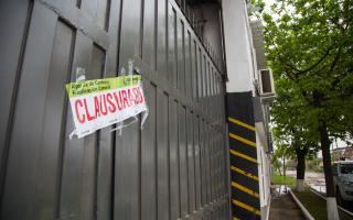 Quilmes: El municipio clausuró una empresa que arrojaba desechos líquidos en el Arroyo Las Piedras
