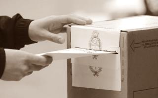 Antecedentes de elecciones a gobernador bonaerense separadas de las nacionales