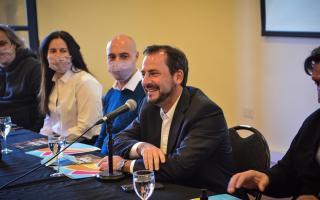"""Sujarchuk presentó los precandidatos en conferencia: """"Pese a la pandemia, pudimos hacer muchísimas obras"""""""