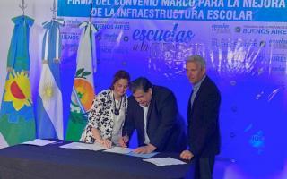 """Intendente de José C. Paz adhirió al programa """"Escuelas a la obra"""" que lanzó Kicillof"""