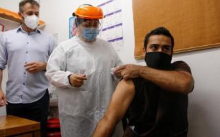 """Vacunación Covid en Pilar: """"Hoy es un día histórico que nos llena de esperanzas"""", consideró el intendente Achával"""