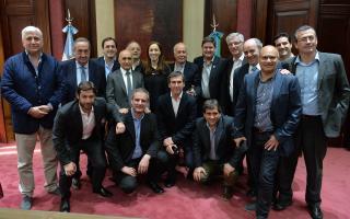 "Vidal encabezó reunión con intendentes radicales: ""Tenemos que seguir trabajando como un solo equipo"""