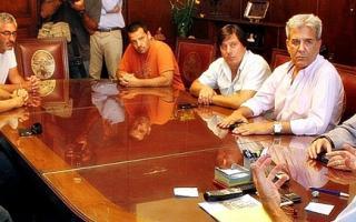Garro se reunió con representantes de gremios.