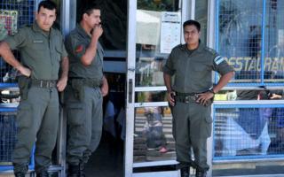 Quedarán sólo 2500 gendarmes para custodiar el Conurbano.