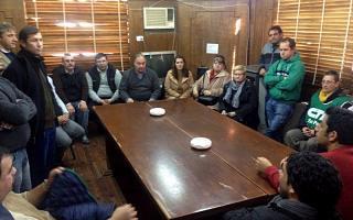 Sindicalistas junto a concejales. Foto: LaNoticia1.com