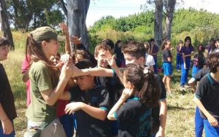 La primera guardaparque recibió a alumnos de un colegio. Foto: Municipio San Miguel