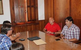 El Intendente agradeció la donación. Foto: PlusInformación