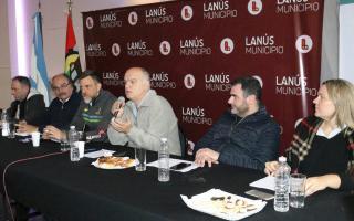 Grindetti encabezó una reunión de gabinete ampliado en Lanús Oeste
