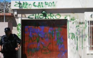 La casa de Pablo Guacone fue atacada a huevazos y pintada con aerosol. Foto: LaNoticia1.