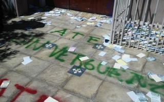 Pintadas en la casa del Indentente. Foto: LaNoticia1.