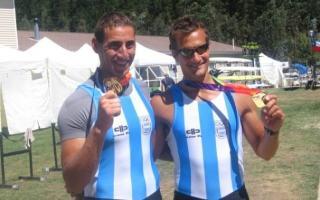 Ariel Suárez y Cristian Rosso muestran sus medallas de oro. Foto: 0223.