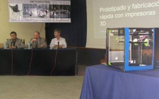 Los alumnos de Diseño Industrial desarrollaron la primera impresora en 3D de Latinoamérica