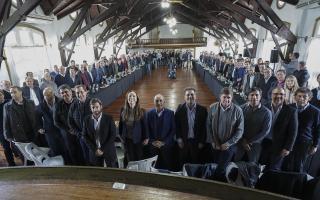 """Intendentes le pidieron a Vidal """"municipalizar"""" la elección."""