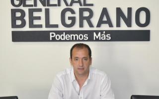Jorge Eijo desbordado por los reclamos vecinales.