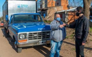 Entregaron la camioneta reparada al verdulero contagiado de COVID-19