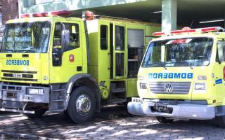 Los bomberos apagaron el fuego
