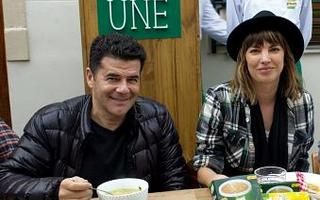"""Julián Weich y déborah del Corral participaron de la presentación de la campaña de Knorr """"La Sopa Une"""""""