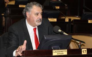 """Lazzaretti pidió al Ejecutivo un seguimiento de los ataques """"neonazis""""."""