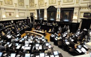 Scioli envió a la legislatura bonaerense los proyectos de presupuesto y reforma impositiva para 2014.