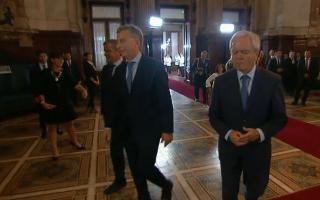 Macri se retiró del Congreso dejando un tendal de títulos.