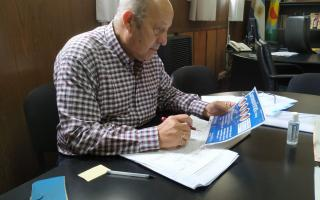 Jorge Paredi firmó el decreto municipal