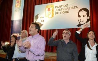 Massa encabezó el acto en Tigre.