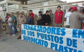 Protesta por cierre de fábrica Nicoll Eterplast, uno de los conflictos en La Matanza